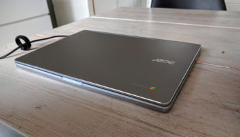 acer r13 chromebook on table